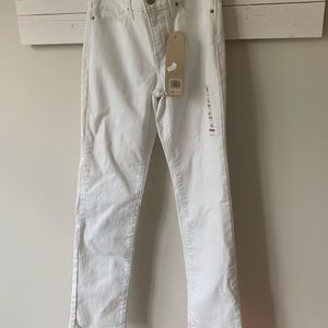 Levis shaping straight 314 mid rise white jeans